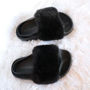 Steve Madden Shoes - Steve madden faux fur slides 10c